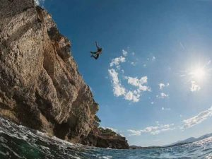 news-Cliff-jumping-site